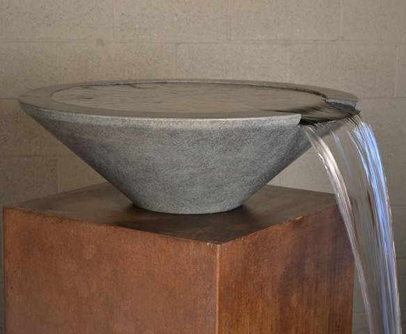 "31"" Essex Pool Water Bowl"